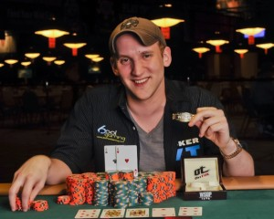 12420_13053_Jason_Somerville_event_20_winner_WSOP_2011